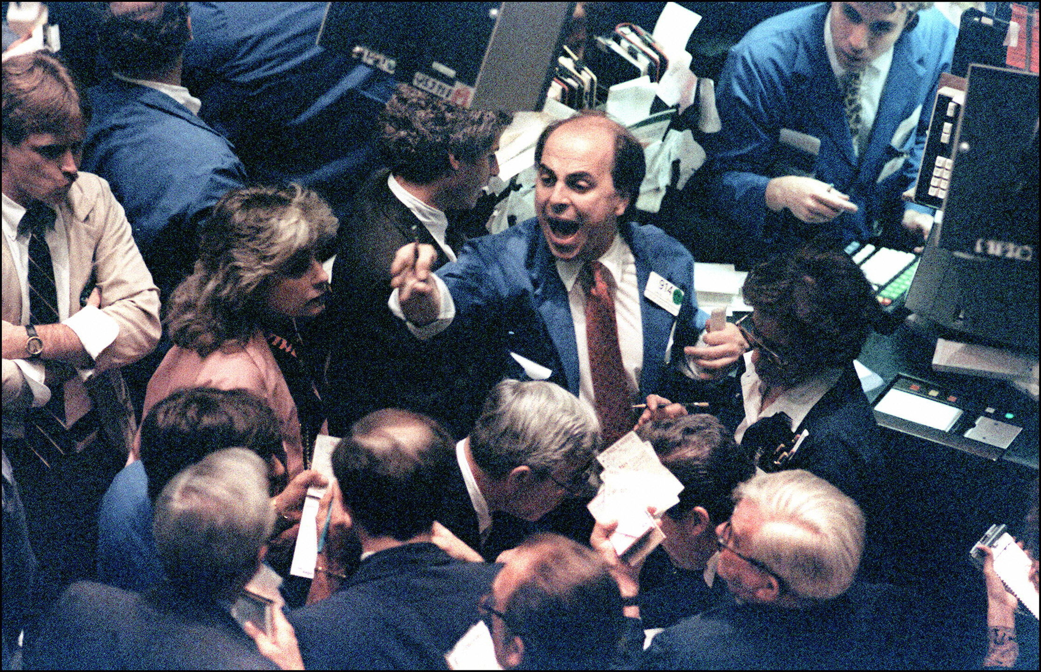 conflict on a trading floor What are the details of this transaction the case entails a junior salesperson working with the first american bank, an assistant on the non-dollar derivative desk.