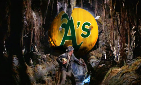 Raiders-of-the-lost-ark-indiana-jones-giant-rolling-boulder_medium
