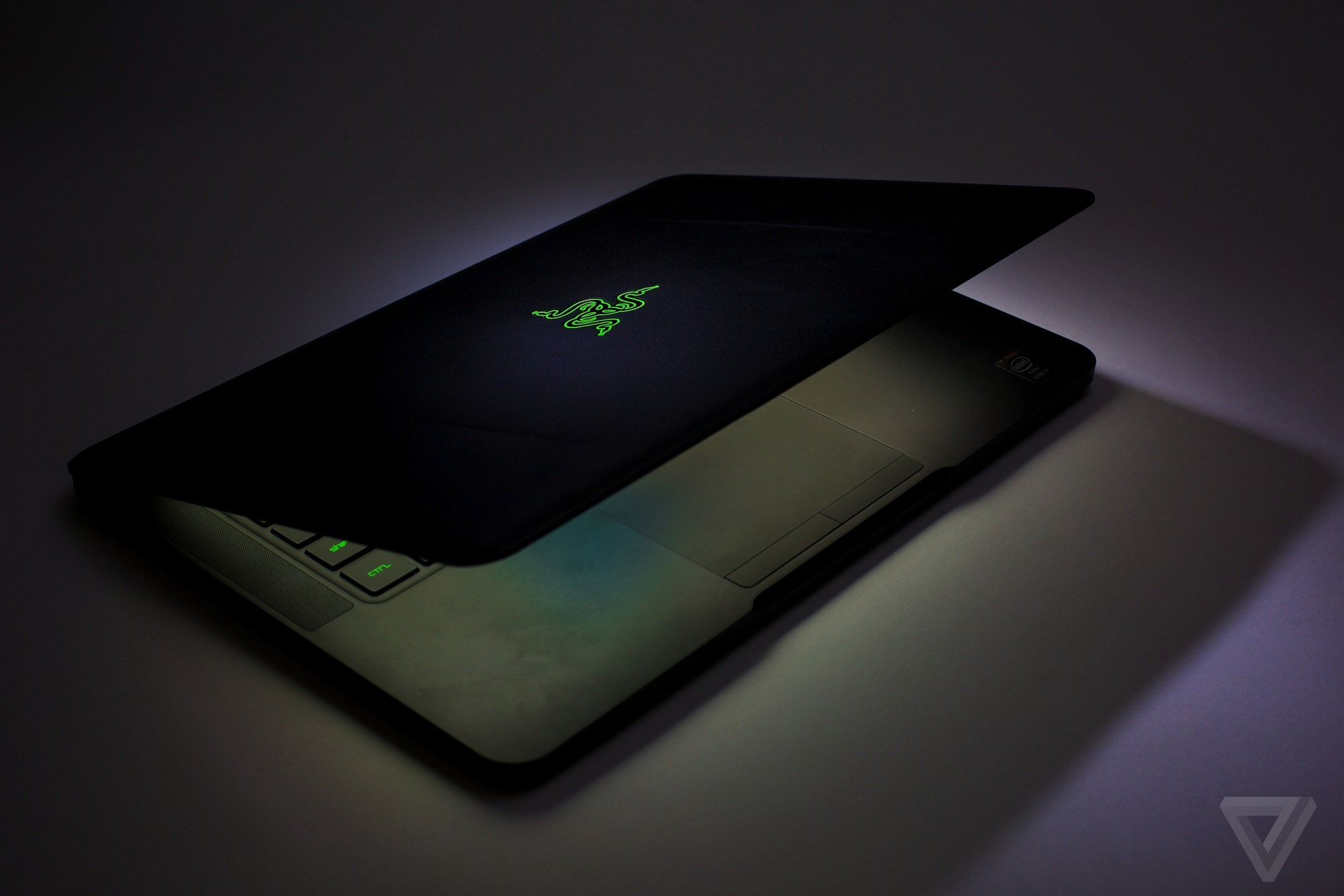 Razer-blade-hd-review-verge-02