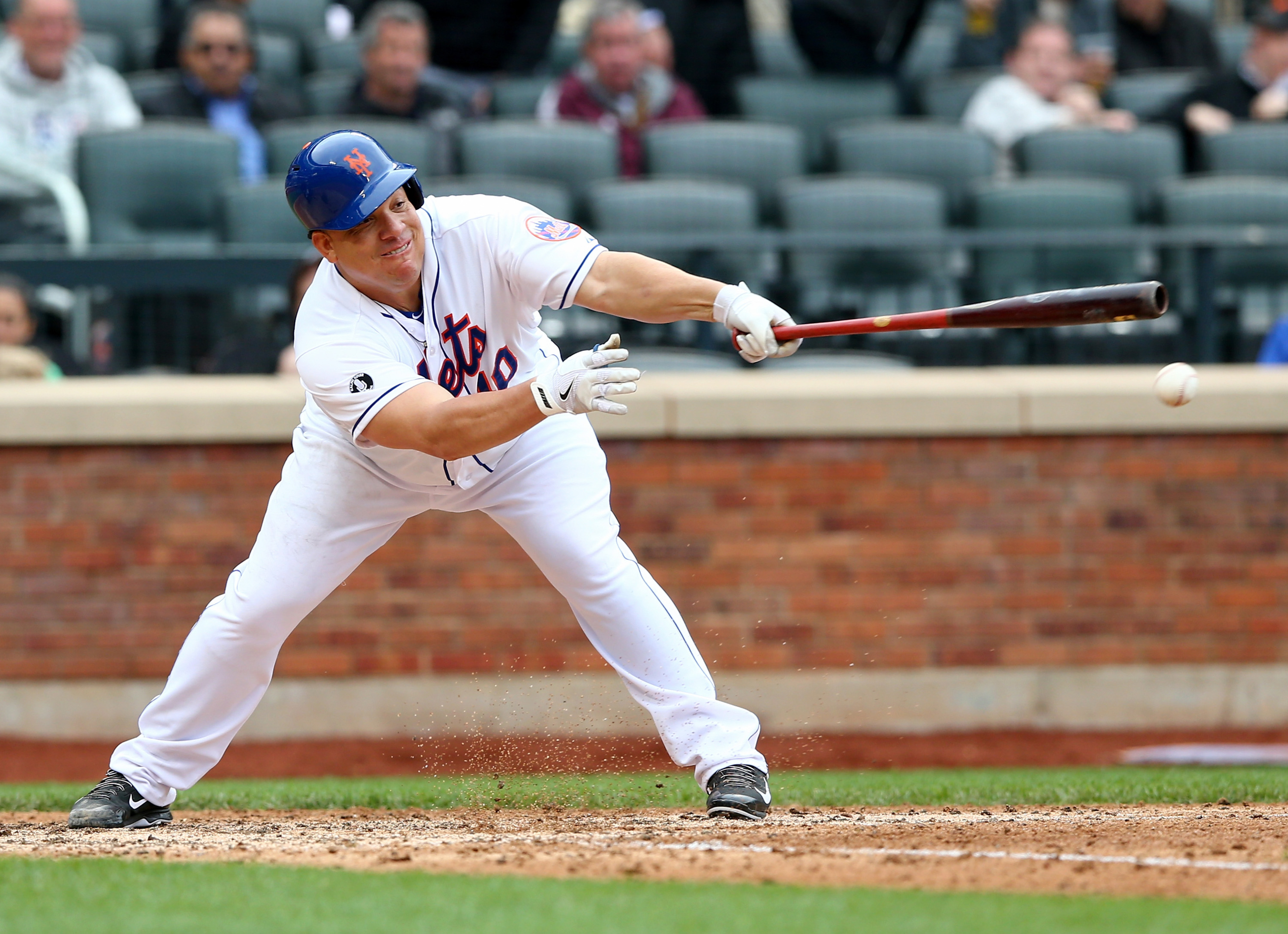 Bartolo_colon_swing_medium