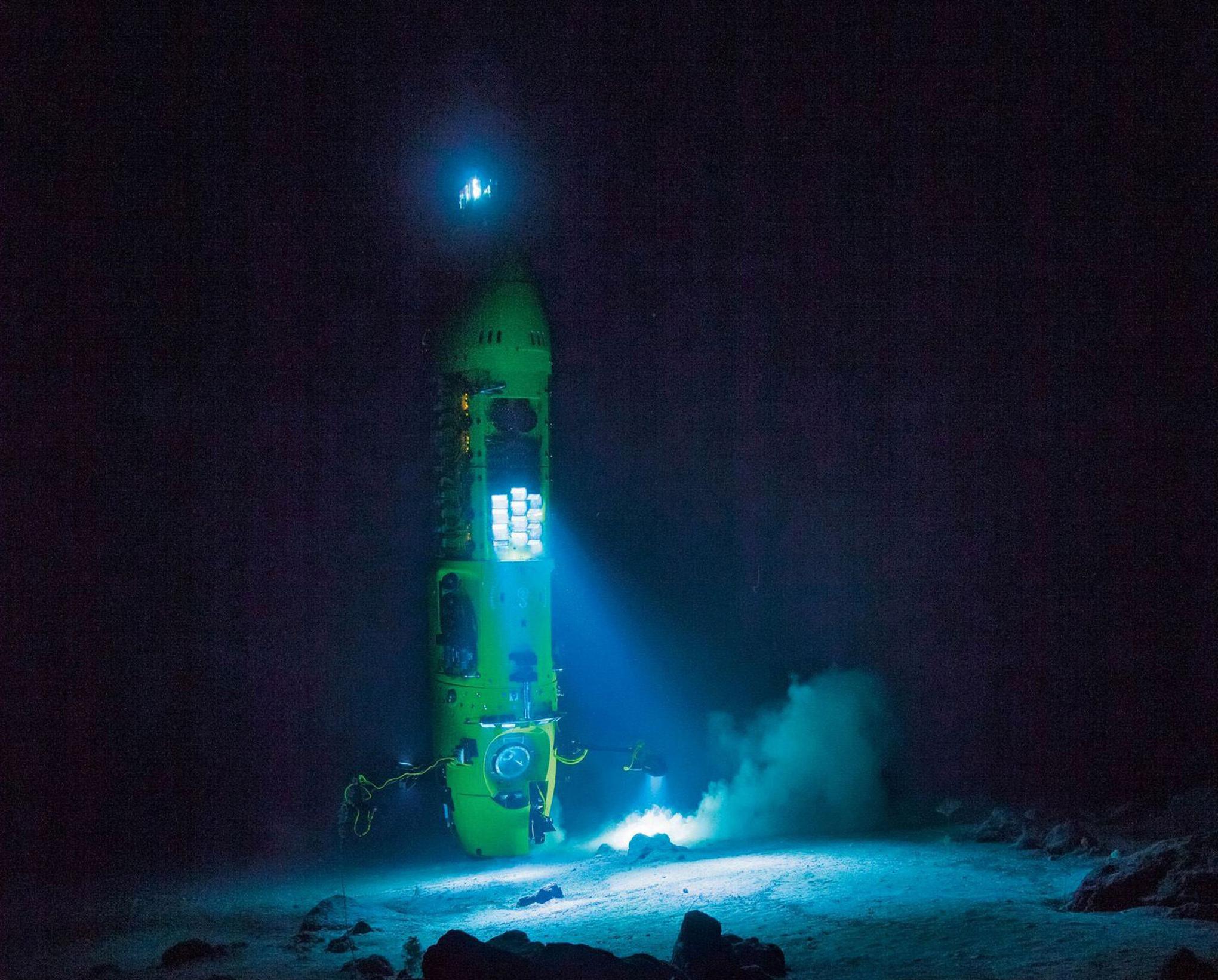 The Bold Man And The Sea James Cameron S Deepsea