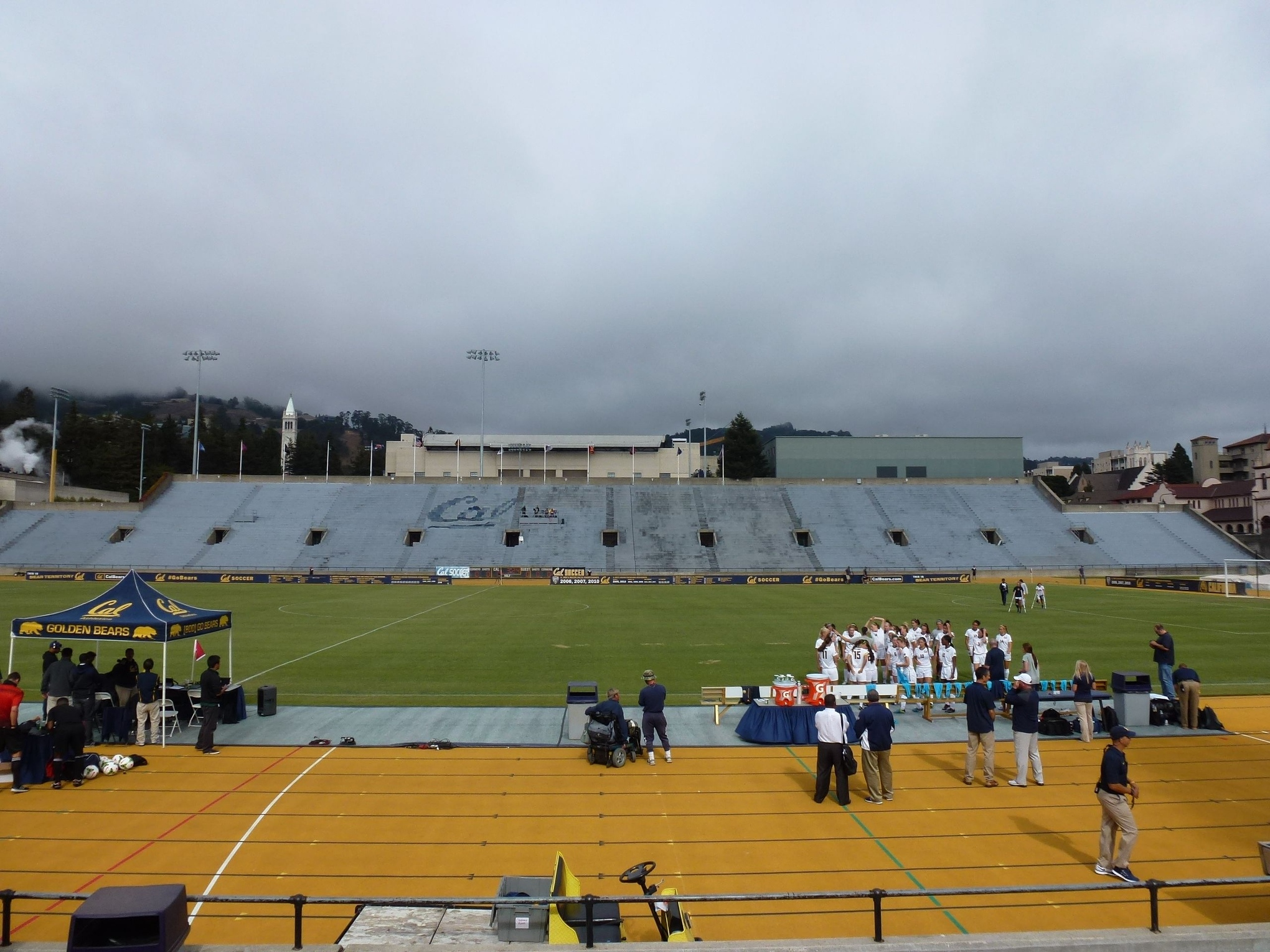 my cal women s soccer match experience a photo essay i have actually never been really been to edwards stadium before that day as a student i have poked my head in one time seeing that there was an event