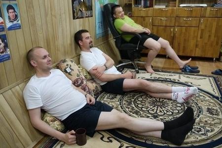 Mars500 chilling astronauts