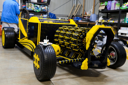 Super Awesome Micro Project Lego air-powered car