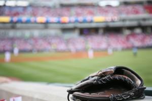 Baseball-glove-300x200