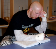 Nick_20thompson_20studying_20before_20fight