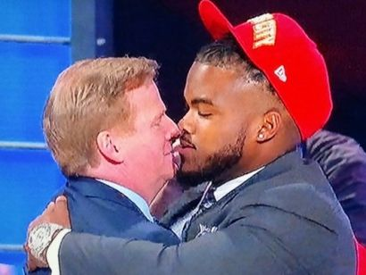 Dontari-poe-kissing-goodell-480x360