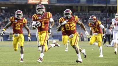 120209_iowa_state_kickoff_return