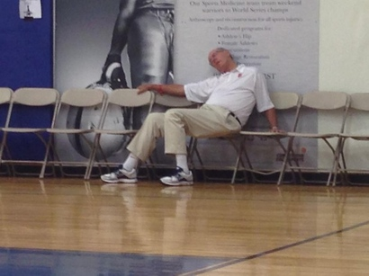 Jim-boeheim-passed-out-594x445