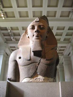 Bm__aes_egyptian_sulpture___colossal_bust_of_ramesses_ii__the__younger_memnon___1250_bc___room_4_