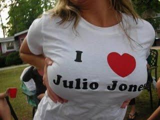Alabama_crimson_tide_girl_loves_julio_jones_t_shirt_well_endowed