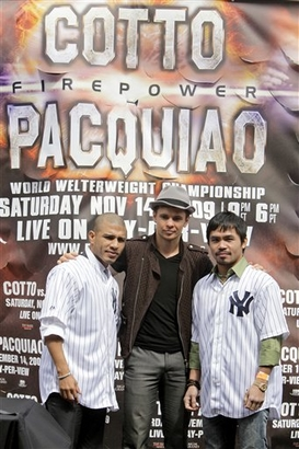 Capt.d09646724a07405babe5e8af98d93025.cotto_pacquiao_boxing_nyma103