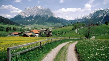 Nature-landscapes_hdwallpaper_alpine-village-in-austria_2541_medium