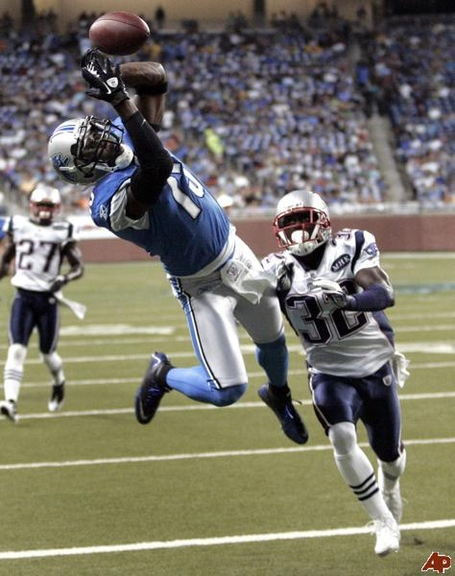 Nate-burleson-devin-mccourty-2011-8-27-20-50-20_medium