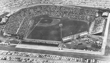 Colt_stadium_1962_medium