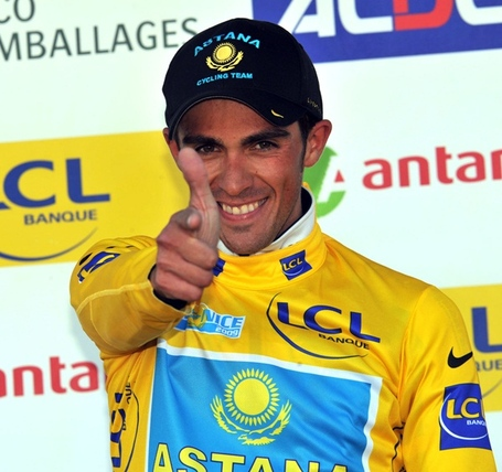 Alberto_contador_thumbs_up_medium