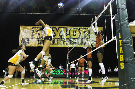 Volleyball-vs.-texas_mm-10.19.11_1569-ftw_medium