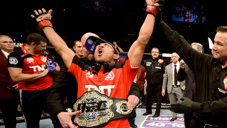 020514-ufc-jose-aldo-127-pi_medium