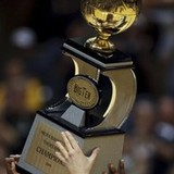 Purdue-university-basketball-m-2008-09-season-big-ten-trophy-in-boilermakers-hands-pur-mbk-0809-00020md