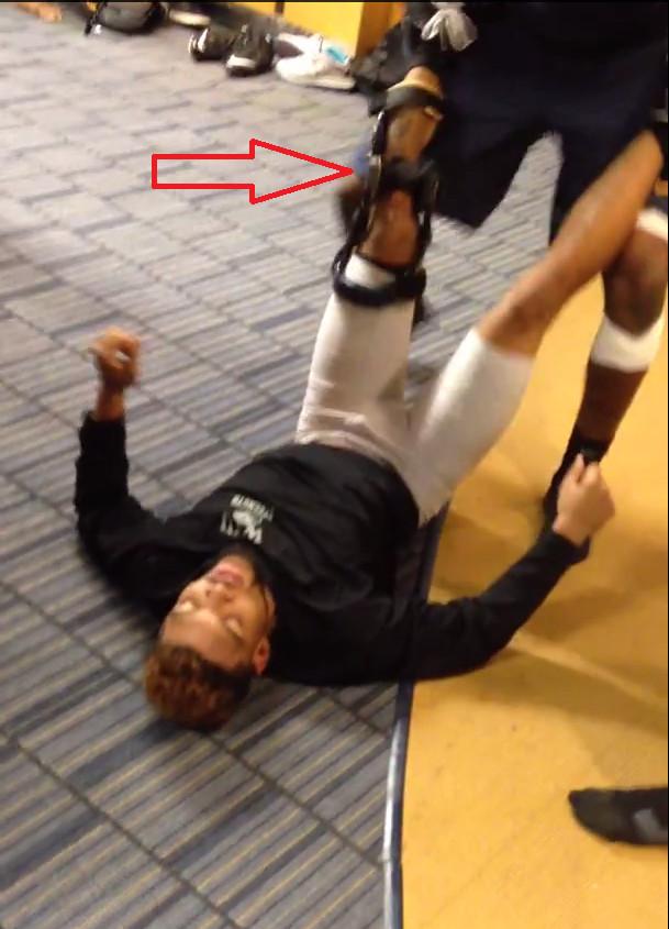West Virginia Players Wrestle Wwe Style In Locker Room