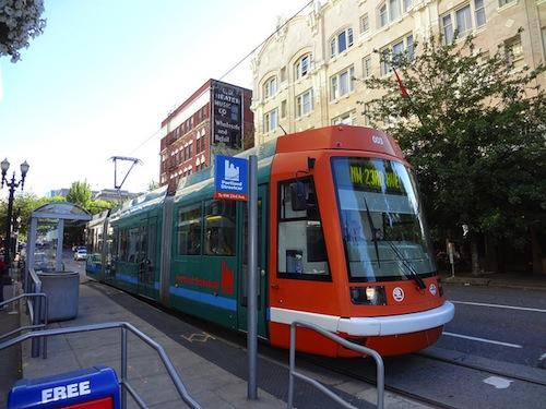 streetcar_movement_smartplanet_realgenius_sept2012.jpeg