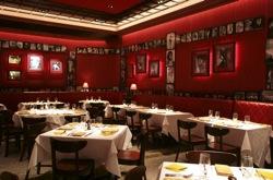 StripHouse_Dining_Room_250.jpg