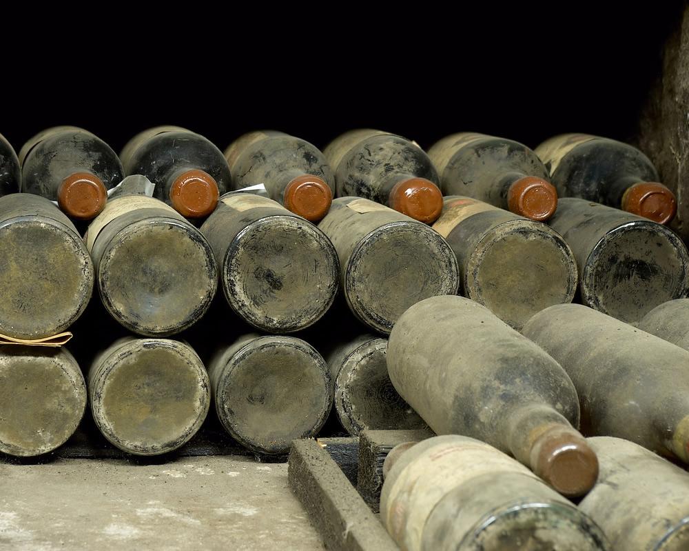 wine-bottles-auction.jpg