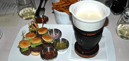 2010_06_burgerfondue.jpg