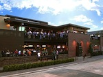Dogwood-bar-Houston-exterior-with-crowd_111210.jpg