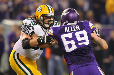 David Bakhtiari vs. Jared Allen: Previewing Packers-Bears in 2014