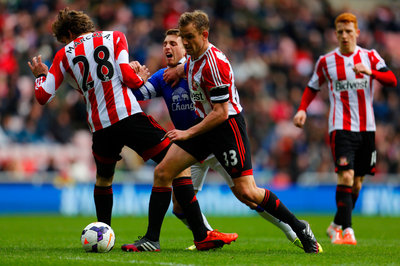 Midfielder Insists Players Still Back Poyet