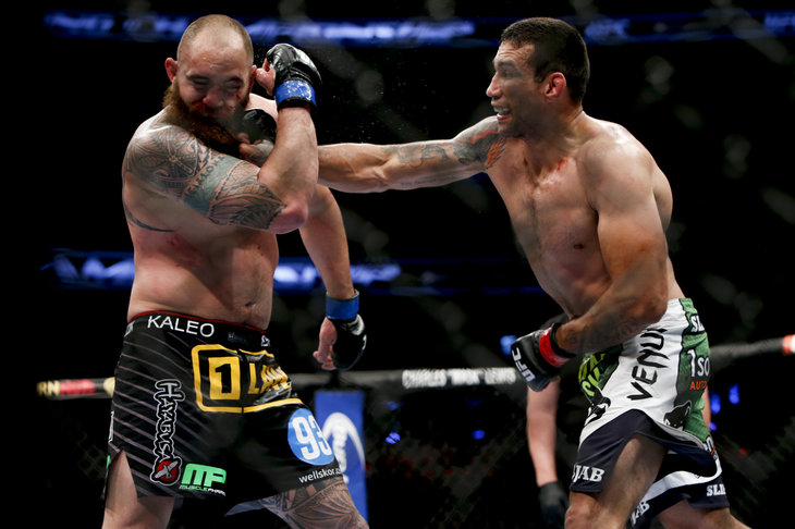 Travis Browne suffered broken hand, and 'maybe' rib in main event ...