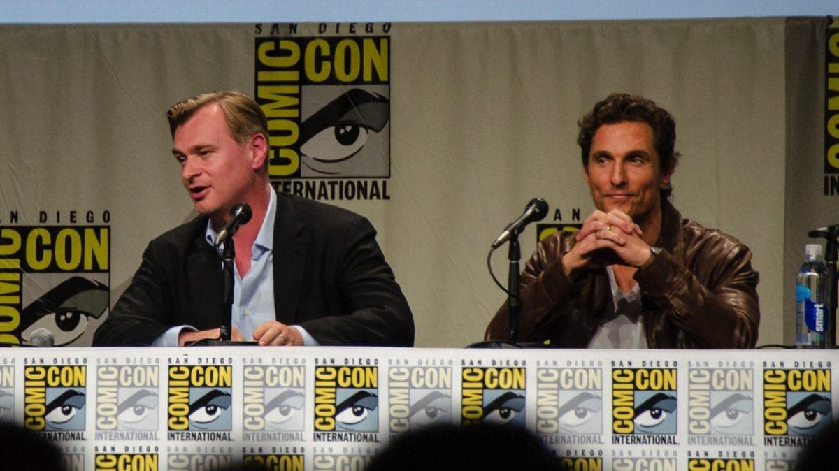 Christopher Nolan talks up the science of 'Interstellar' in surprise Comic-Con appearance