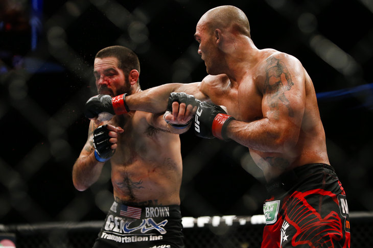 072_Robbie_Lawler_vs_Matt_Brown.0_standa
