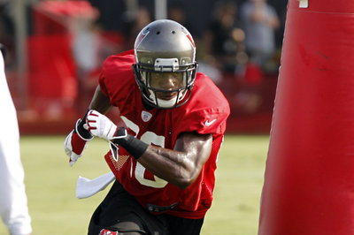 Buccaneers end training camp with lightning