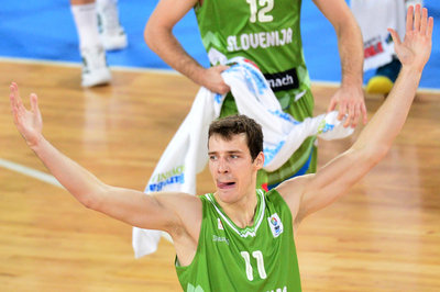 Goran Dragić has 21 points in Slovenia's first World Cup game;