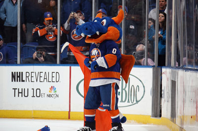 New York Islanders vs. Leafs Gameday: No Grabovski; Hamonic and Visnovsky in health battle