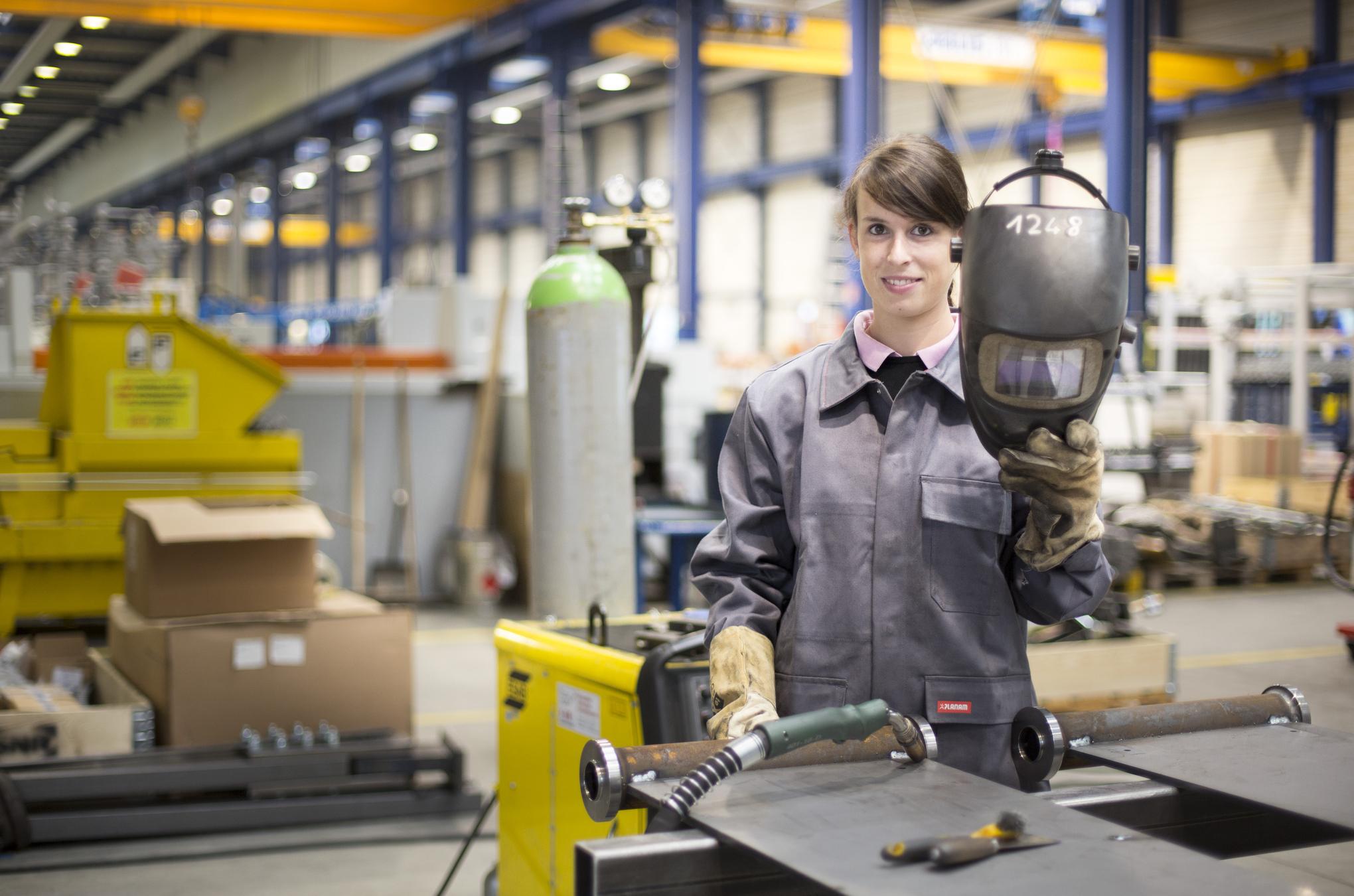 Képtalálatok a következőre: happy worker