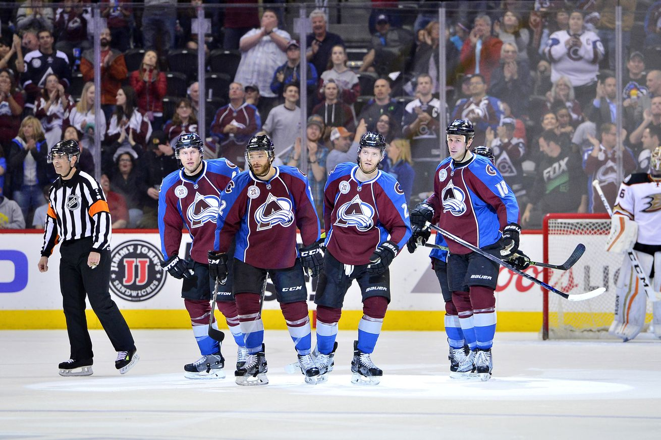 Roy abruptly resigns as Avalanche coach and executive