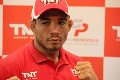 Jose Aldo 'is losing a lot' of money with UFC's Reebok deal