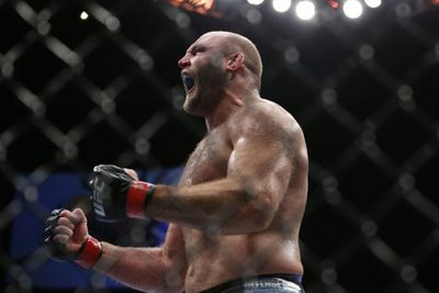 Blindsided Ben Rothwell clowns UFC over absurd booking of Arlovski vs Miocic at UFC 195