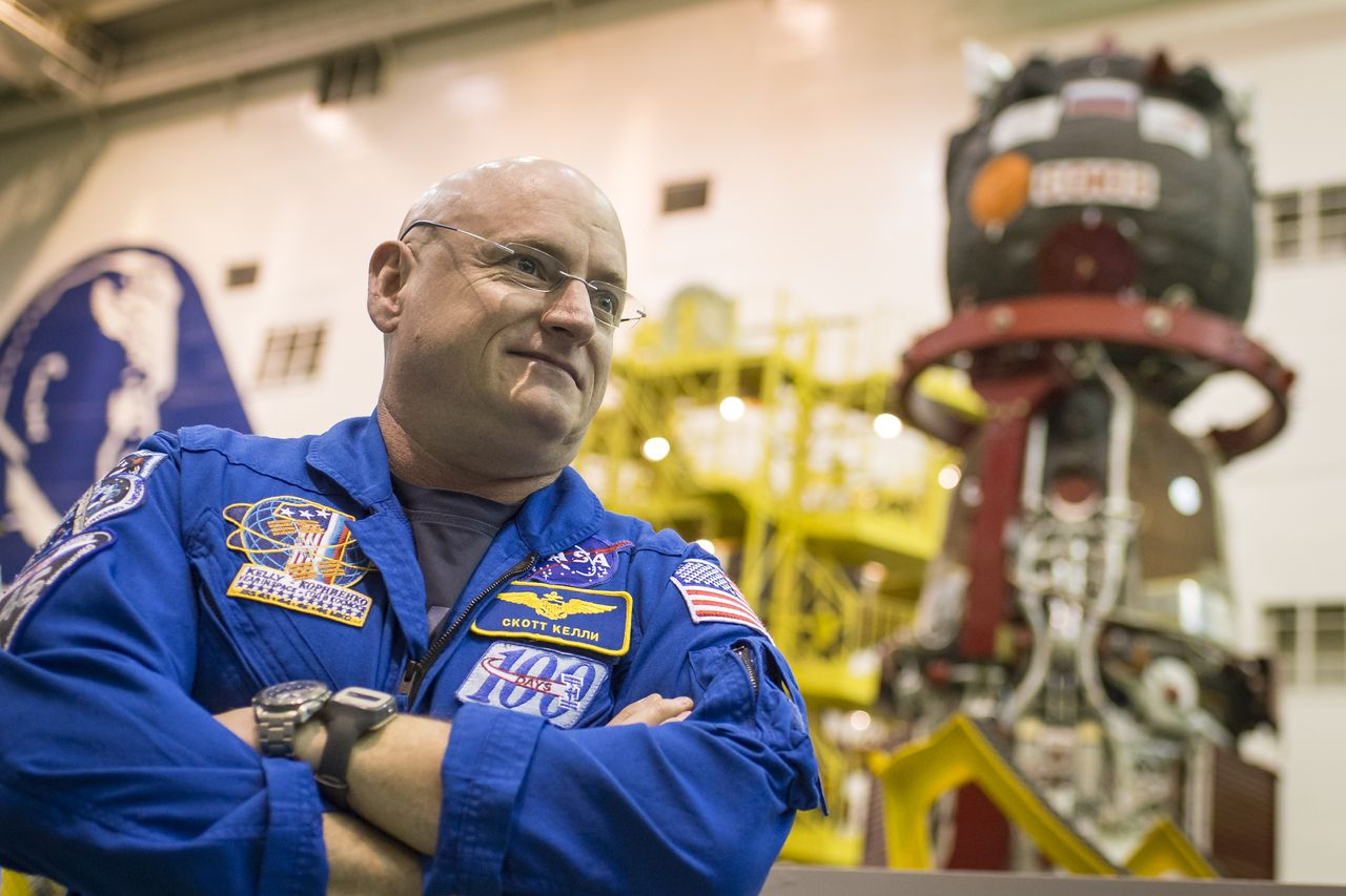 sending an american astronaut back to Nasa has signed a new deal that will keep american astronauts flying on russian spacecraft through early 2017 at a cost of $707 million per seat — about $8 million more per astronaut than the.