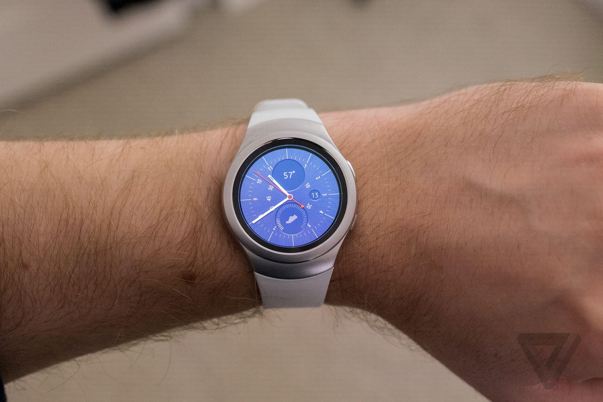 how to connect gear s to non samsung phone