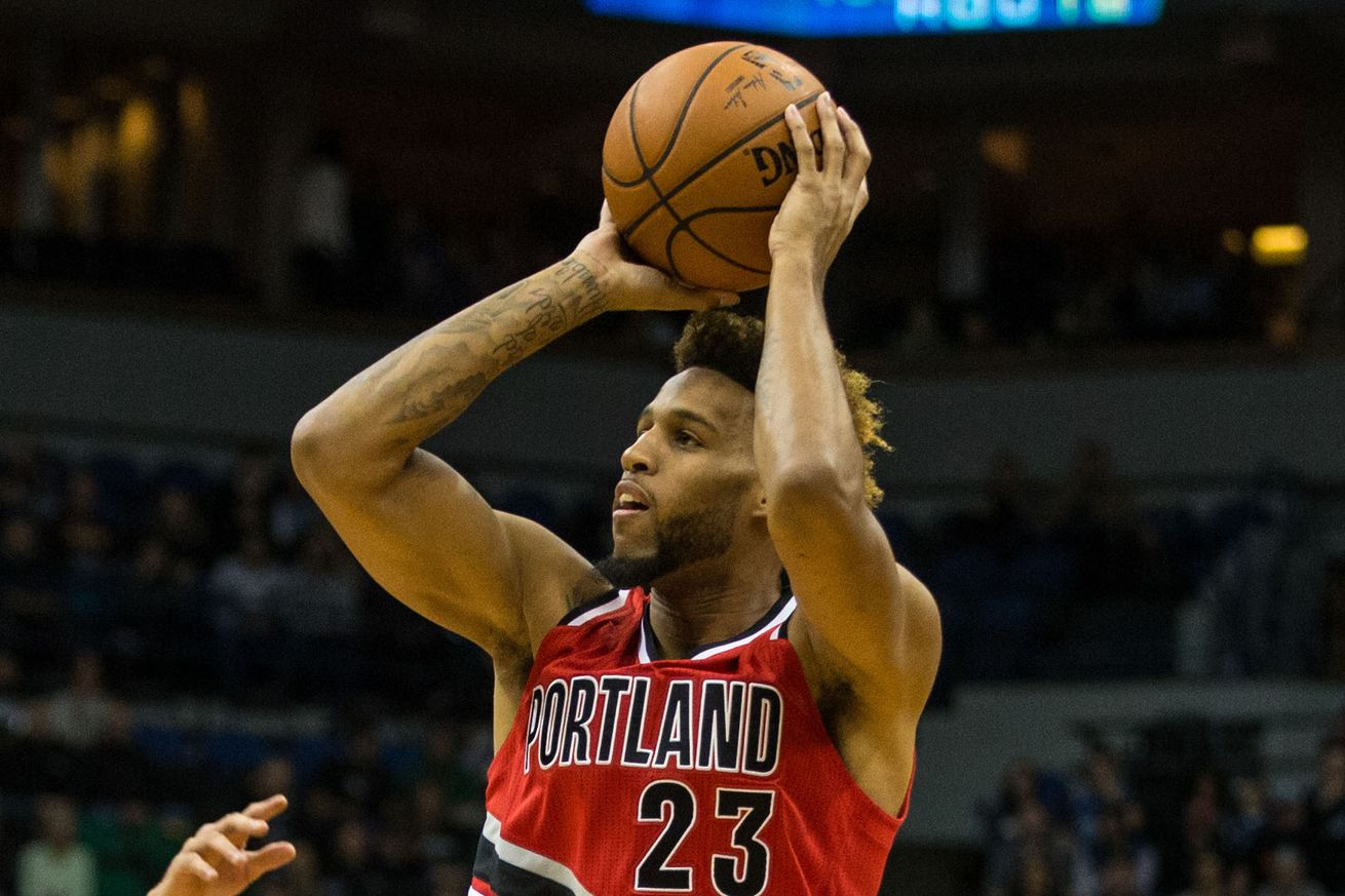 Allen Crabbe signs offer sheet with Brooklyn Nets