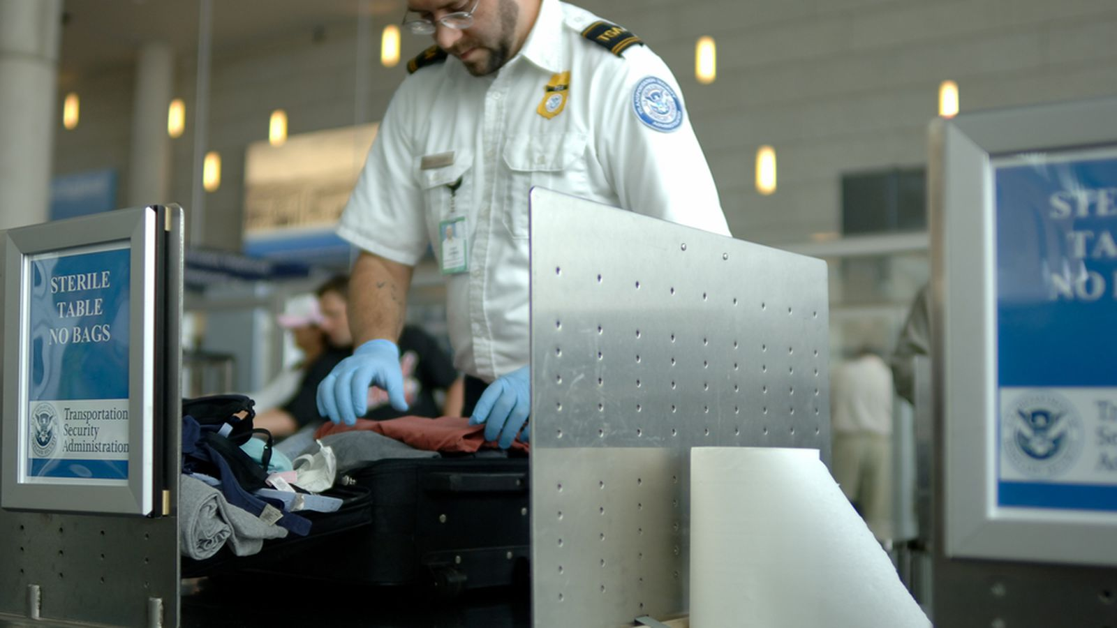 Leaked cia documents show how to beat airport security like a spy the verge - Security guard hd images ...