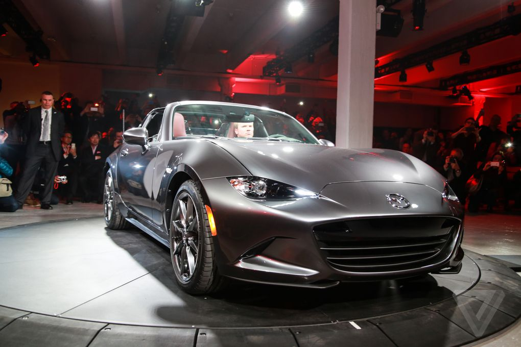 mazda unveils the mx 5 rf a miata with a gorgeous targa top the verge. Black Bedroom Furniture Sets. Home Design Ideas