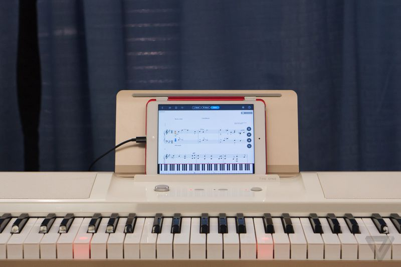 play and learn piano via the one smart piano