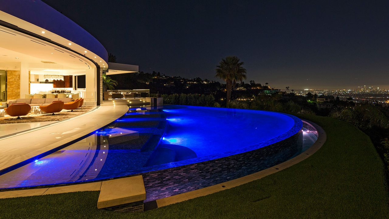 Minecraft Creator Notch Buys Beverly Hills Mansion For