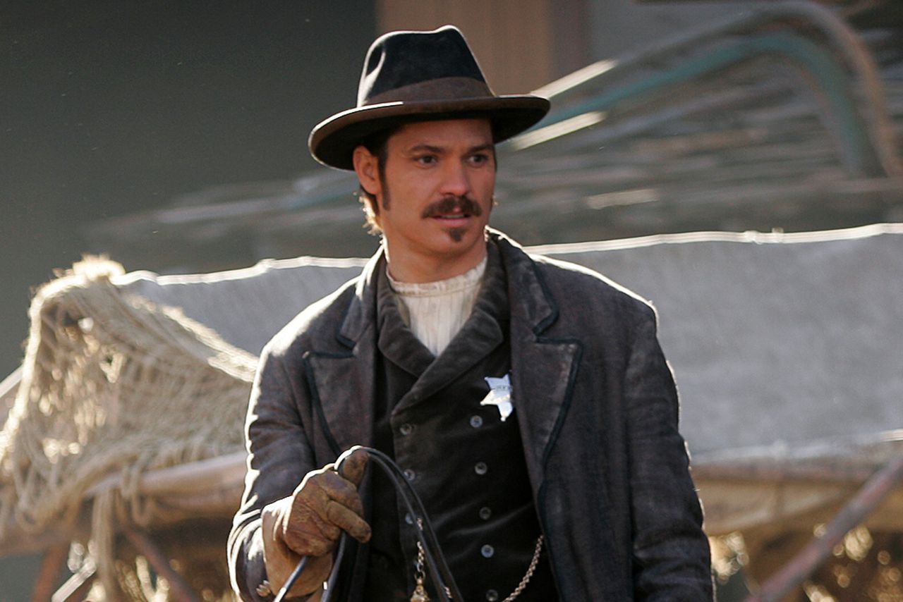 Hbo Is Finally Making A Deadwood Movie The Verge