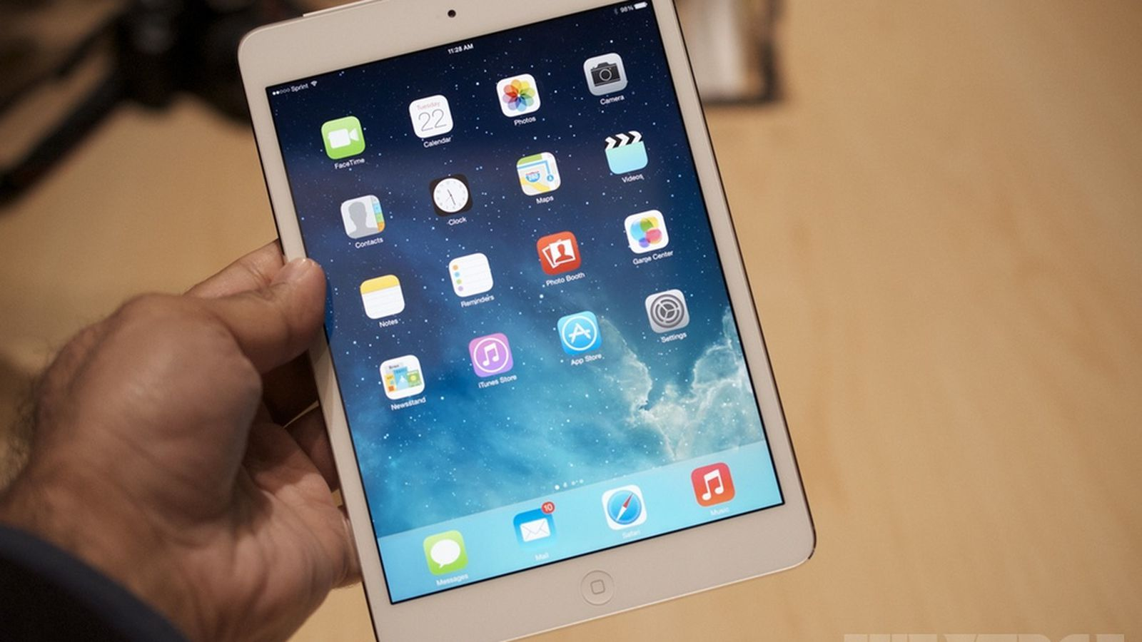 ipad mini with retina display on sale now starting at 399. Black Bedroom Furniture Sets. Home Design Ideas